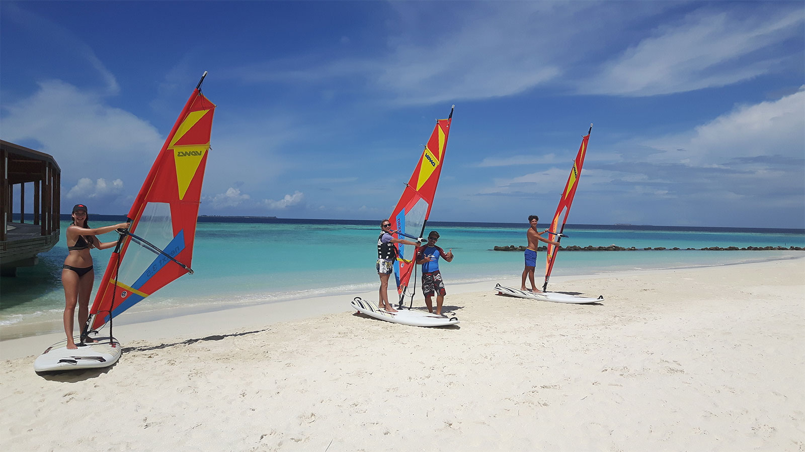Windsurf lessons Hurawalhi Maldives